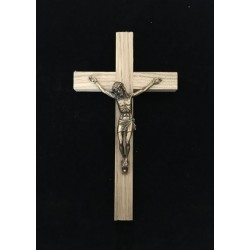 Croix chêne 9015